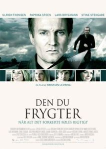 A portrait of Ulrich Thomsen takes up the top half of the poster, with the four main female characters in small pictures beneath on the movie poster.